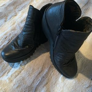 Fly London Booties style: YIP